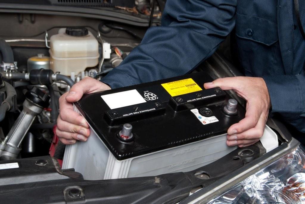 Thay bình ắc quy xe ô tô tại TPHCM – liên hệ ngay: 0938.724.247